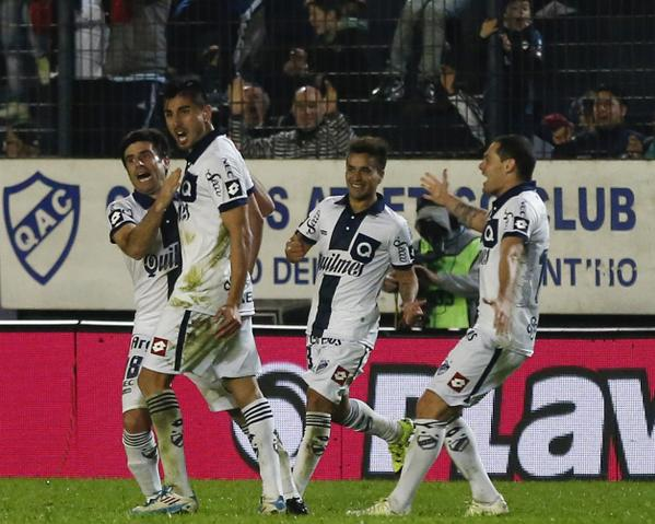 Quilmes quiere seguir su buena racha ante Sarmiento. Twitter