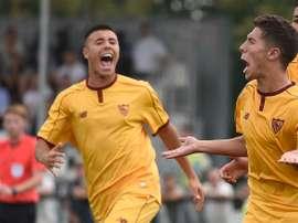Jugadores del Sevilla Sub 19, tras batir al Olympique de Lyon en la Youth League. CanteraSFC