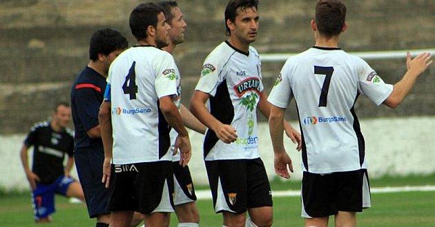 Jugadores del Tudelano, durante el partido de Copa del Rey en el que se impusieron al Condal Club. Twitter