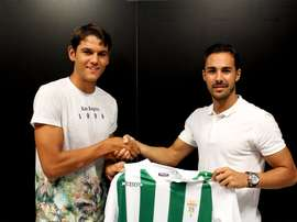 El conjunto andaluz dio la bienvenida al ex jugador del Lorca B. CórdobaCF