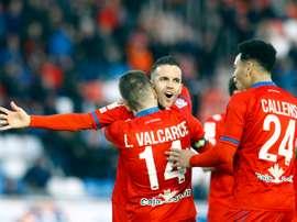 Julio Álvarez inauguró el marcador en el amistoso ante Osasuna. EFE