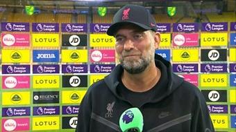 Klopp, sin gafas ante el Norwich. Captura/PremierLeague