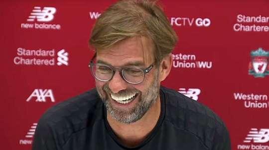 Le 4-0 au Barça fait toujours autant rire Jürgen Klopp. Capture/Youtube/LiverpoolFC