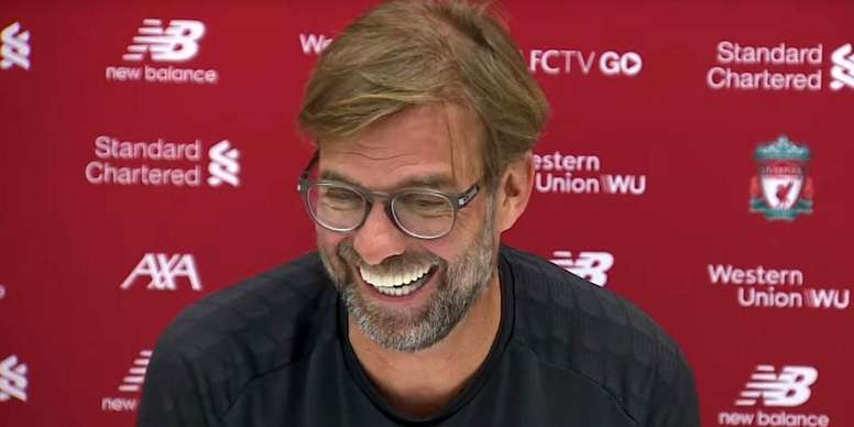 Klopp laughed upon remembering their 4-0 win over Barca. Captura/Youtube/Liverpool FC