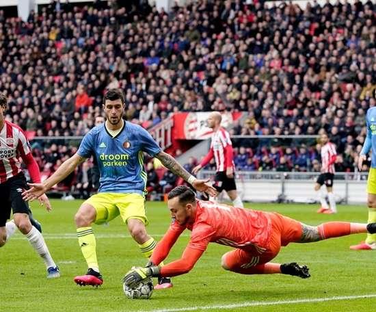 El punto no marca la diferencia para ninguno en su lucha por la Champions. Twitter/PSV