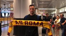 Nikola Kalinic s'est engagé ce lundi avec l'AS Rome. Twitter/BelénSánchez