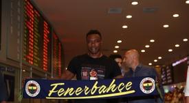 Kameni, arrepentido por haberse ido a Turquía. Twitter/Fenerbahçe