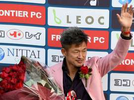 Miura inspiró a Óliver Atom y podría convertirse en el jugador más veterano de la historia. AFP