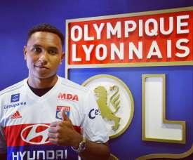 Kenny Tete ha sido presentado con el Olympique de Lyon. OlympiqueLyonnais