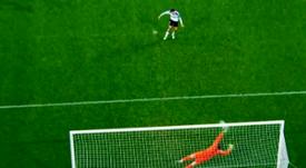 Kepa paró un penalti a Parejo. Captura/Movistar
