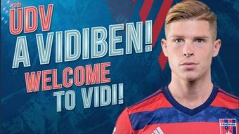 Kevin Csoboth regresa a Hungría para jugar con el Fehérvár. Twitter/ MOLFehérvárFC