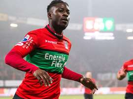 El Brest se refuerza con la llegada de Kévin Mayi. StadeBrest29