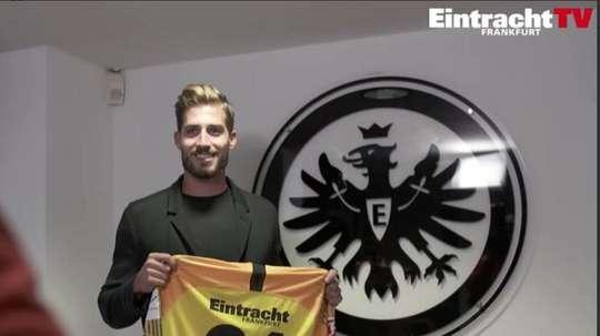 El portero vuelve a su ex equipo durante este curso. Twitter/Eintracht