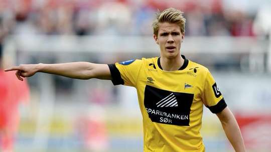 Kristoffer Ajer, Norwegian midfielder could be moving to Celtic. Twitter