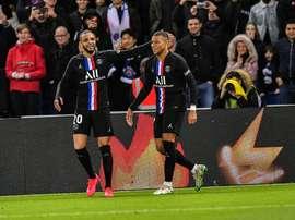 PSG goleou o Montpellier e se distanciou do segundo colocado na tabela. PSG
