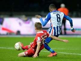 L'attaquant ivoirien Salomon Kalou inscrit le 2e but du Hertha Berlin face à Mayence. AFP