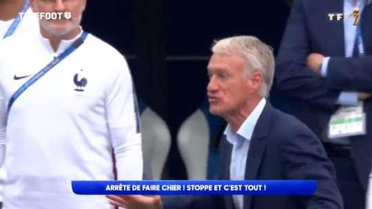 Deschamps a recadré Mbappé pendant la rencontre. Capture/TF1/Telefoot