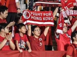 La afición de Hong Kong mostró pancartas contrarias a China. Twitter