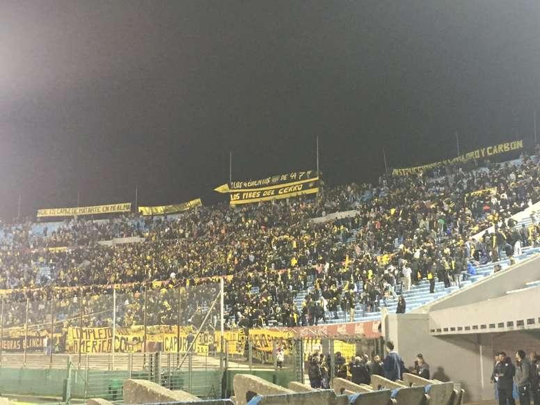 Peñarol se medirá al Sud América a puerta cerrada por la violencia de sus hinchas. MarcosLacaze