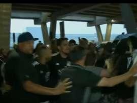 La afición de Ponte Preta intentó agredir a sus jugadores tras perder ante Chapecoense. Captura