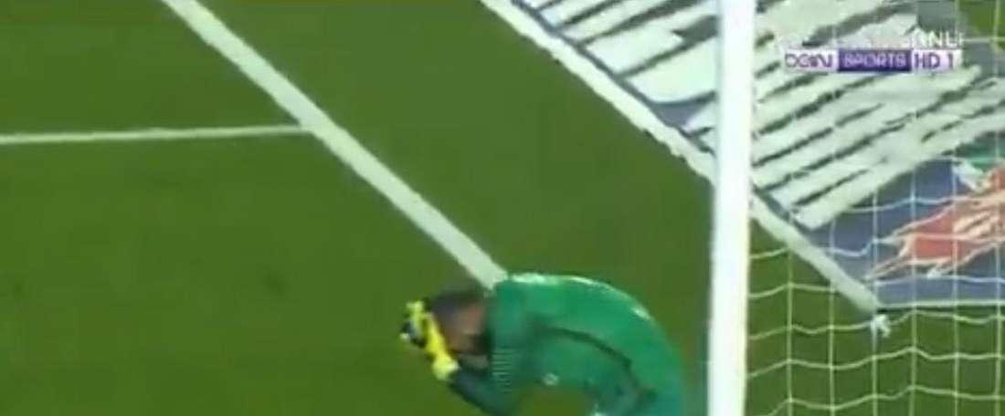Volkan Babacan pagó duramente la derrota del Fenerbahçe. beINSports