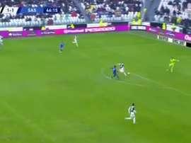 La double boulette de Buffon et De Ligt qui va coûter cher à la Juve. Capture/BeINSports
