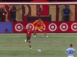 Josef Martínez a inventé une nouvelle manière de tirer les penalties. Capture/MLS
