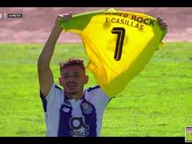 Soares dédie son but à Iker Casillas. Capture