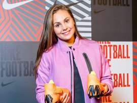 Martens, la más votada del once mundial de 2017. Twitter/LiekeMartens