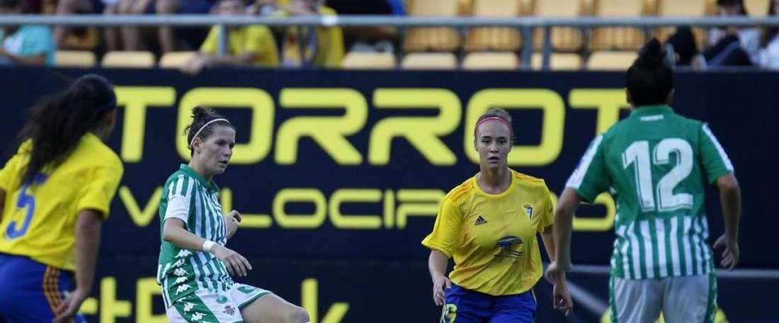 Una decena de goles verdiblancos en el Carranza. Twitter/RealBetisFéminas