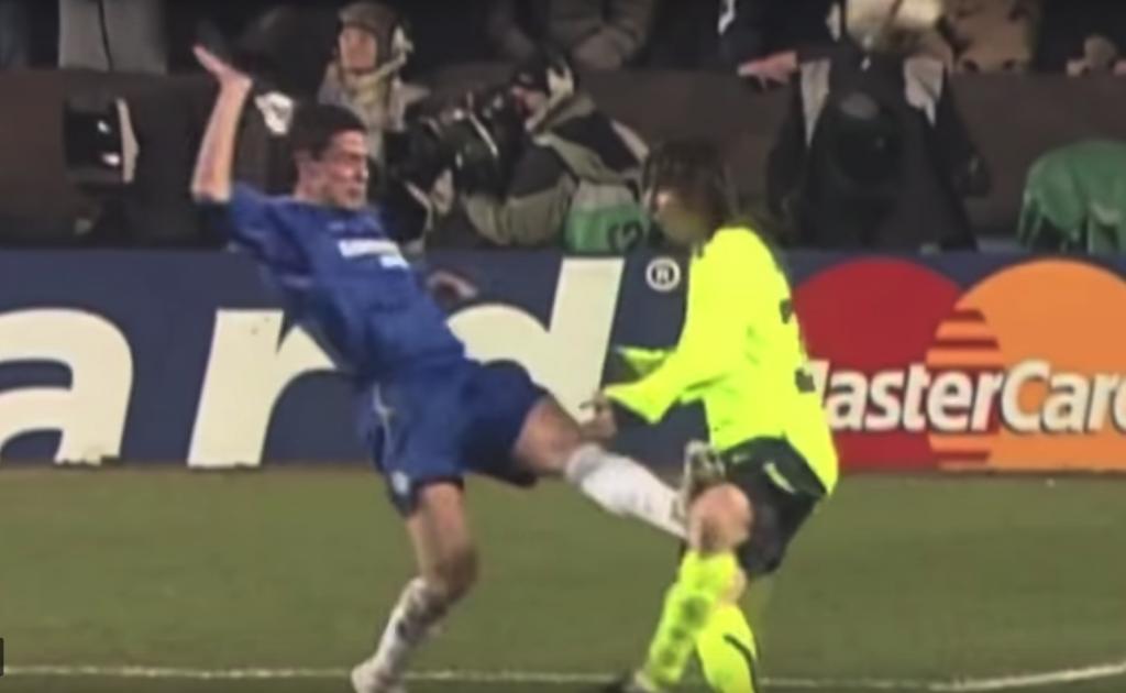 La patada que casi pone fin a la carrera de Messi en Stamford Bridge
