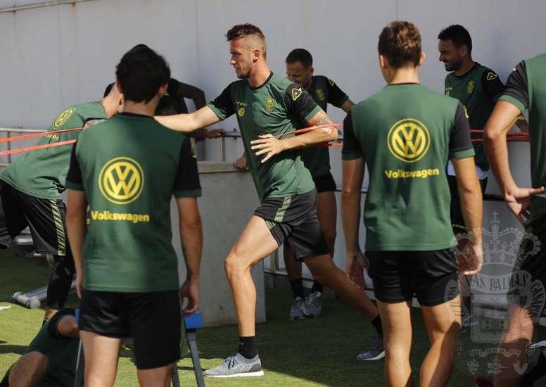 Las Palmas preparará con varias bajas el duelo contra el Granada. Twitter/UDLasPalmas