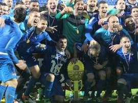 La plantilla del Dinamo de Zagreb celebra la consecución de la Copa Croata 2015-16. GNKDinamo