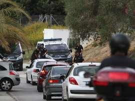 La Policía Nacional realiza controles de carretera en busca de los sospechosos identificados involucrados en la pelea. Twitter