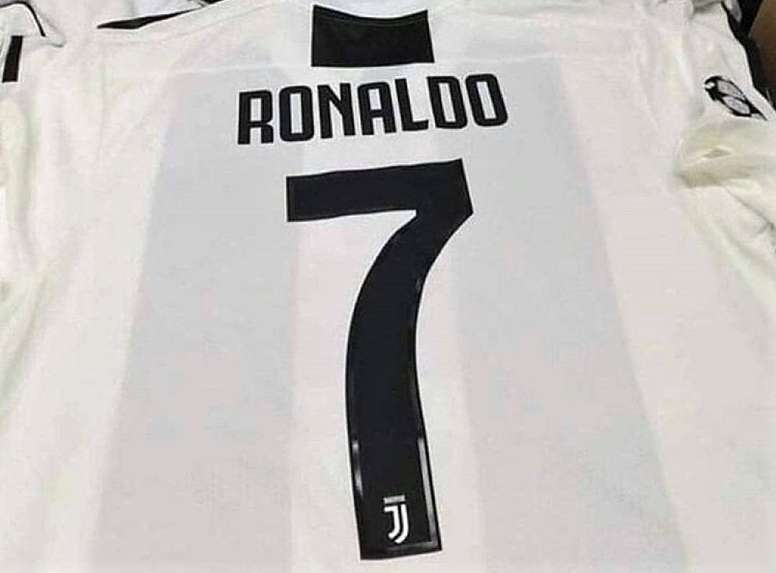 9ec0c8ff6 Juventus já tem camisola para Ronaldo - BeSoccer