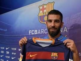 El Barcelona podrá contar con Arda Turan desde hoy mismo. AFP