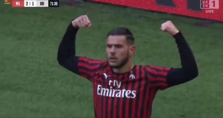 La reprise de volée de Theo Hernandez qui marque encore à Milan. Twitter/ACMilan