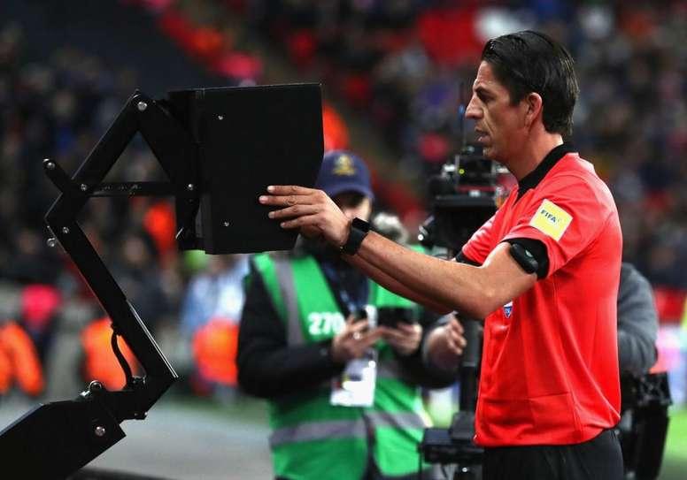 El VAR promete traer nuevas emociones. UEFA