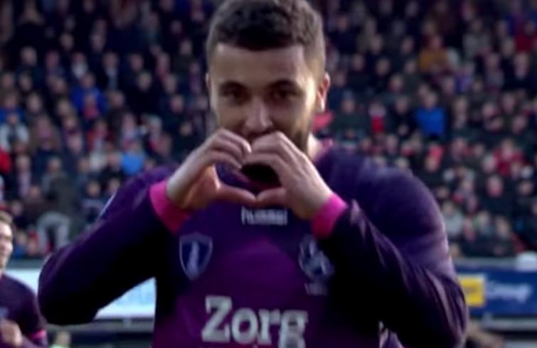 Labyad sufrió molestias en la ingle en el último partido del Utrecht. Captura