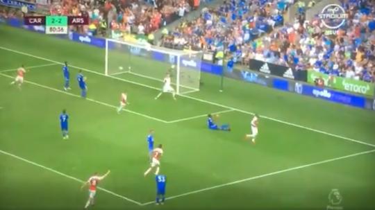 Lacazette scores for Arsenal against Cardiff. Captura/SingtelTV