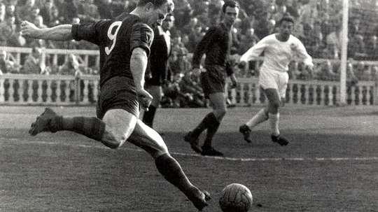 Kubala es una leyenda del fútbol húngaro. FCBarcelona