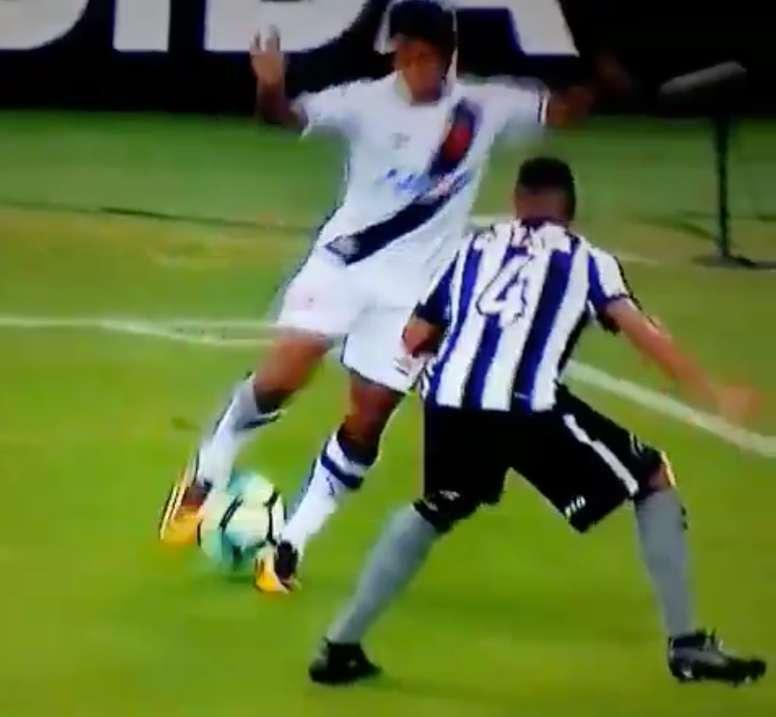 a pépite brésilienne a imité Neymar avec cette lambretta. Twitter