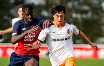 El Lille batió con un testarazo al Valencia. Twitter/Academia_VCF