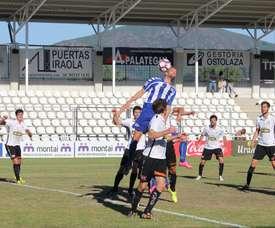 El Real Unión se reforzó con Taylor Lubazandio. Alavés