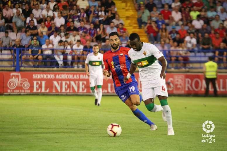 Extremadura y Elche igualaron en Almendralejo. LaLiga