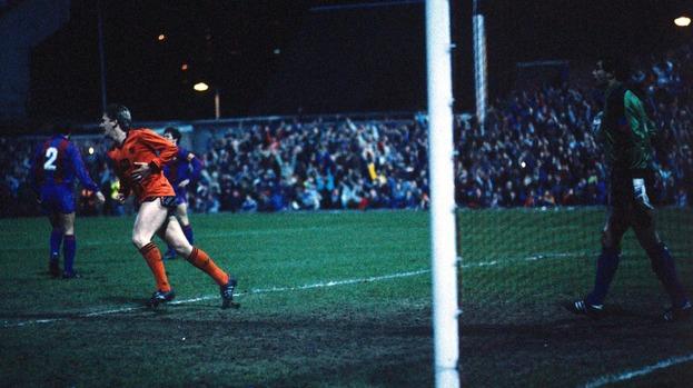 El Dundee United ganó los dos choques al Barcelona en la temporada 1986-87.