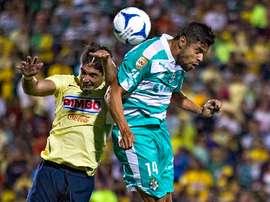Lance del juego entre el Santos Laguna y el América por el Trofeo de Campeones MX. Twitter