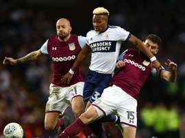 John Terry et Aston Villa iront se battre pour une place en Premier League. AVFCOfficial