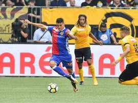 Lance del partido entre el Basilea y el Young Boys. FCBasel