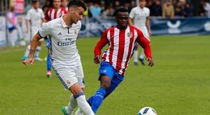 Com os juvenis, Guti mostra a Zidane o caminho a seguir. RFEF